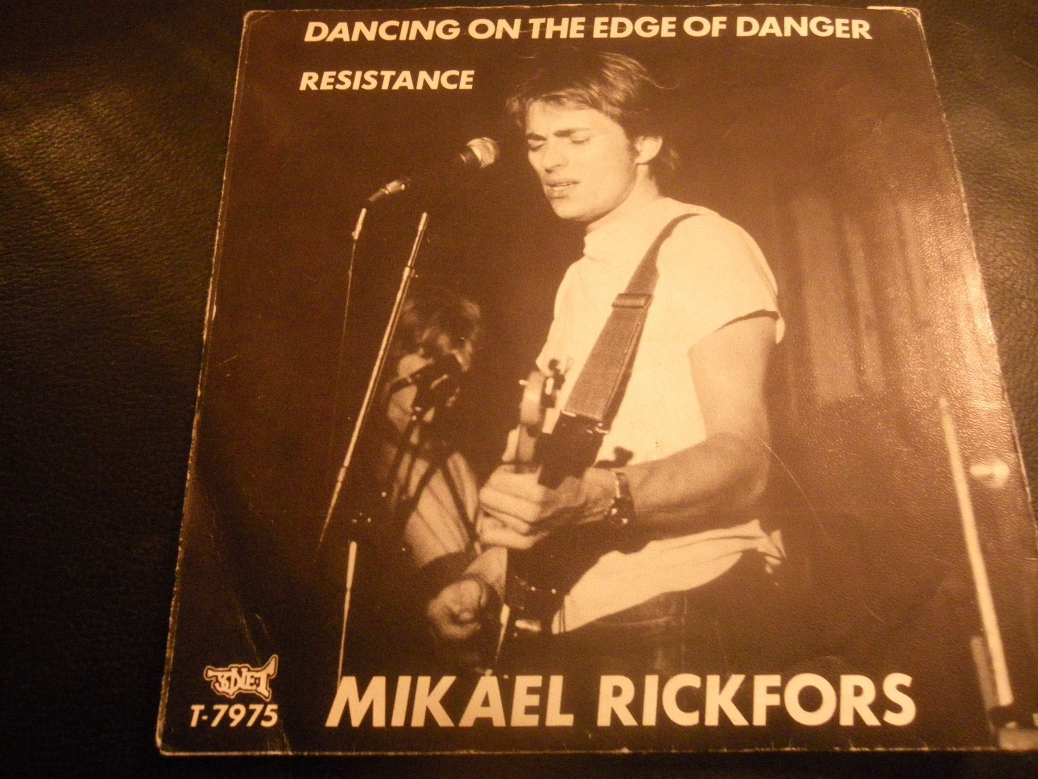 Mikael Rickfors - Dancing On The Edge Of Danger / Resistance